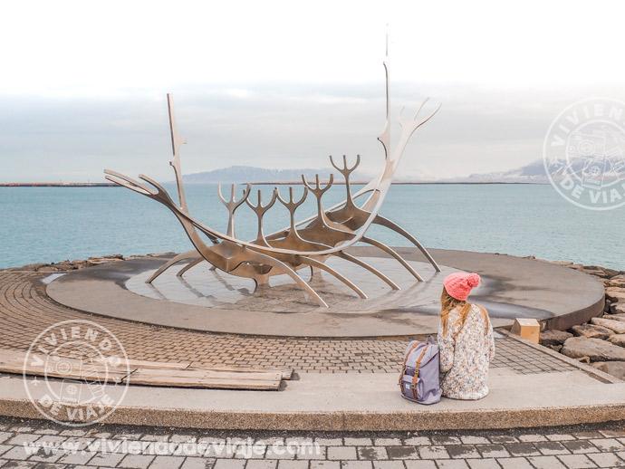 Escultura Viajero del Sol, visita imprescindible en Islandia
