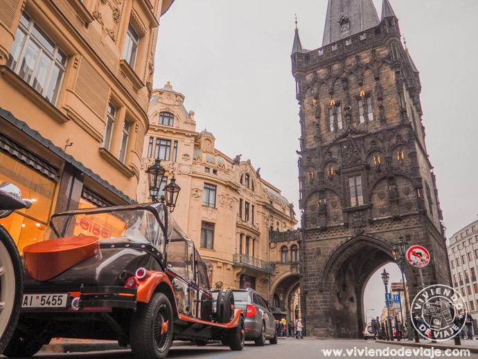 Torre de la Pólvora, imprescindible en tu lista de cosas que ver en Praga