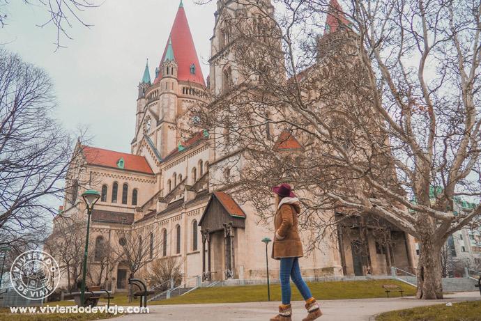 Que ver y hacer en Viena, visitar la Iglesia de San Francisco de Asis