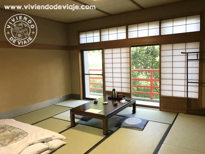 Alojamiento en Japón, templo budista