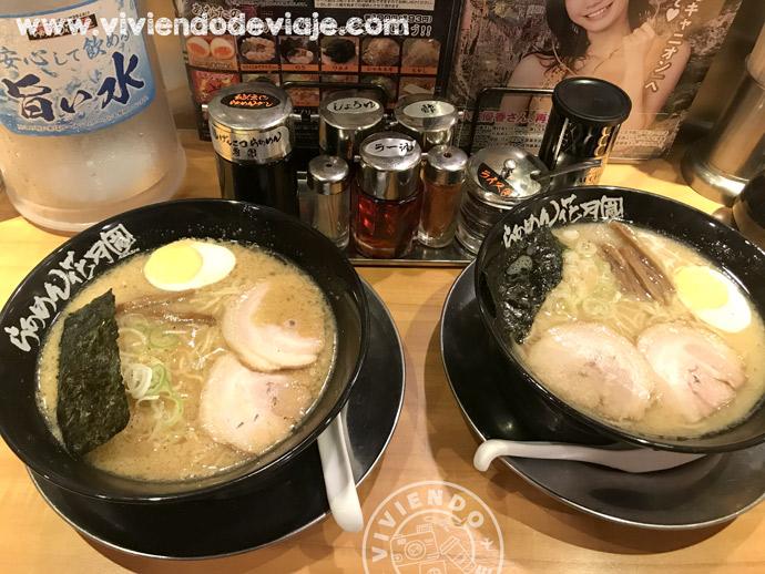 Probar el ramen, una de las cosas que hacer en Tokio