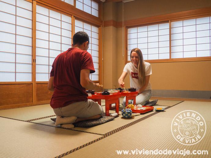 Dormir en un templo en Japón, cena japonesa