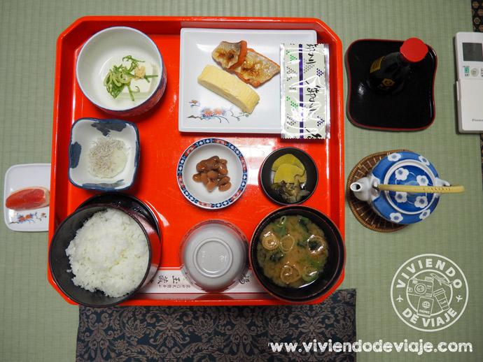 Dormir en un templo en Japón, desayuno japonés