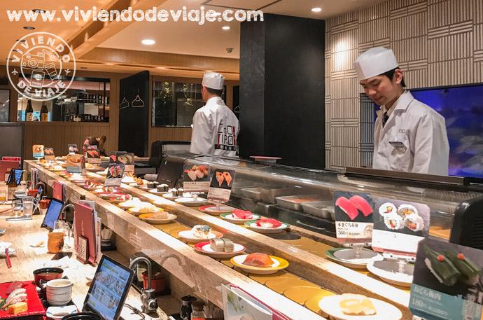 Comer sushi en Kioto
