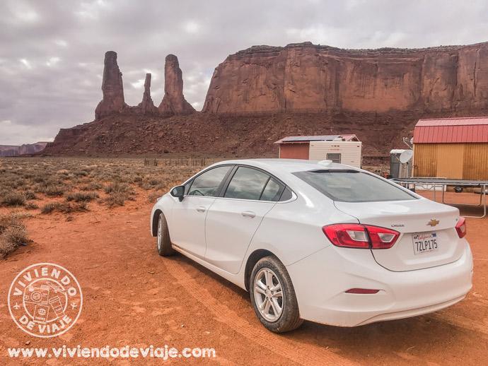 Recorrer Monument Valley con coche de alquiler