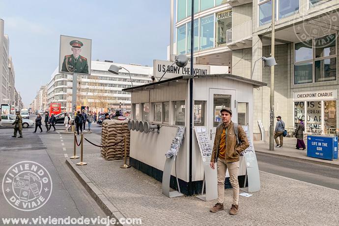 Checkpoint Charlie, un imprescindible que ver en Berlín