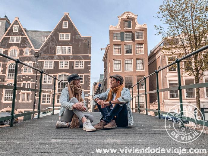 Pasear por los canales de Ámsterdam