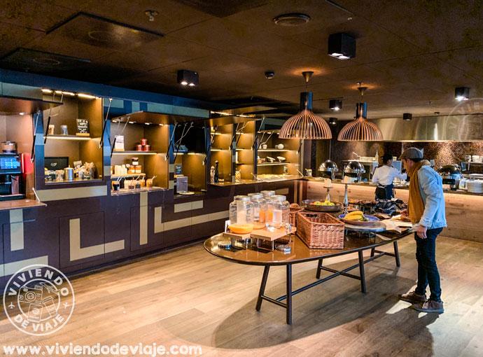 Desayuno-buffet en el RoomMate Aitana de Amsterdam