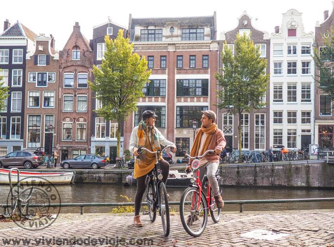 Alquilar unas bicicletas en Ámsterdam