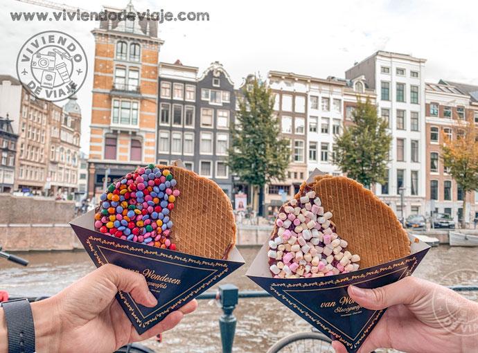 Probar un Stroopwafel en Ámsterdam