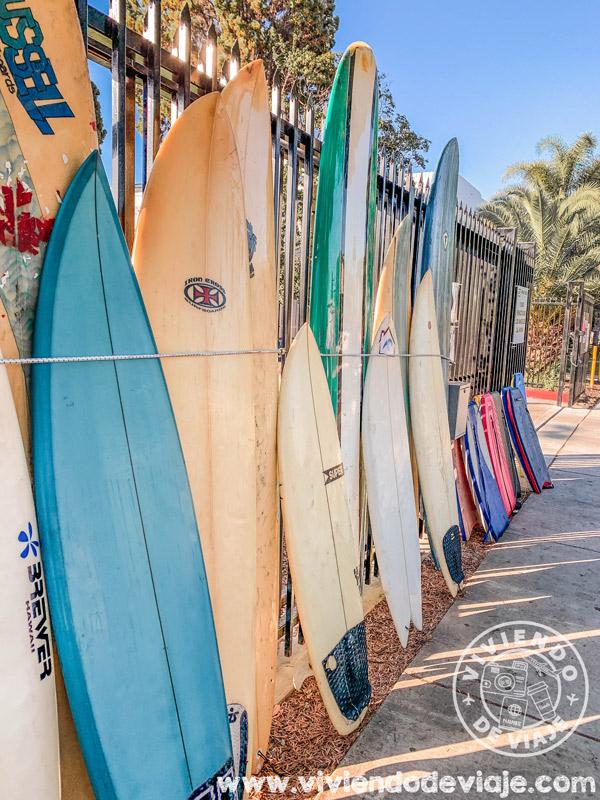 Playa de Santa Mónica, practicar surf