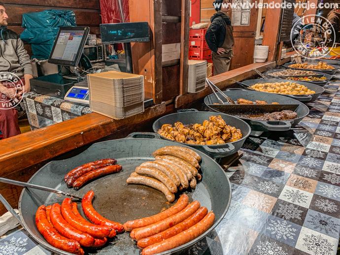Comida en los mercados navideños de Praga