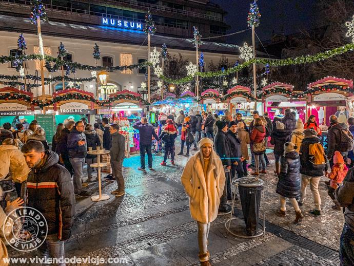 Mercado navideño de la plaza de la República en Praga