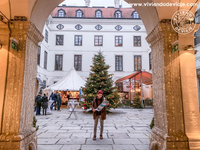Árbol de Navidad en el Palais Harrach