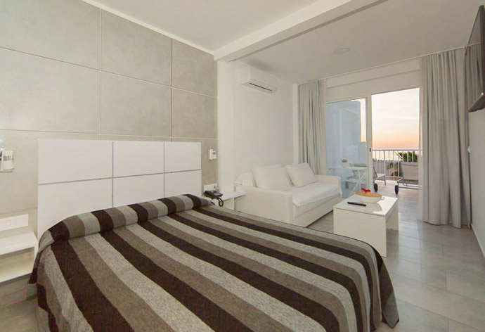 Alojamiento barato en la playa | Hotel Sol Playa