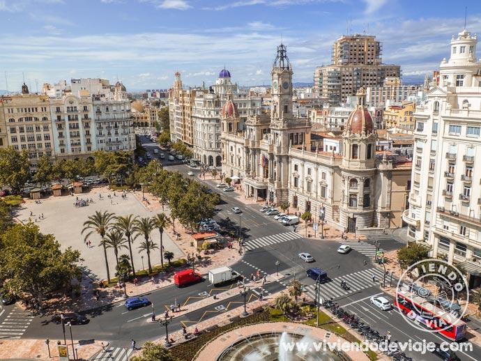 Plaza del ayuntamiento, un lugar imprescindible que ver en Valencia