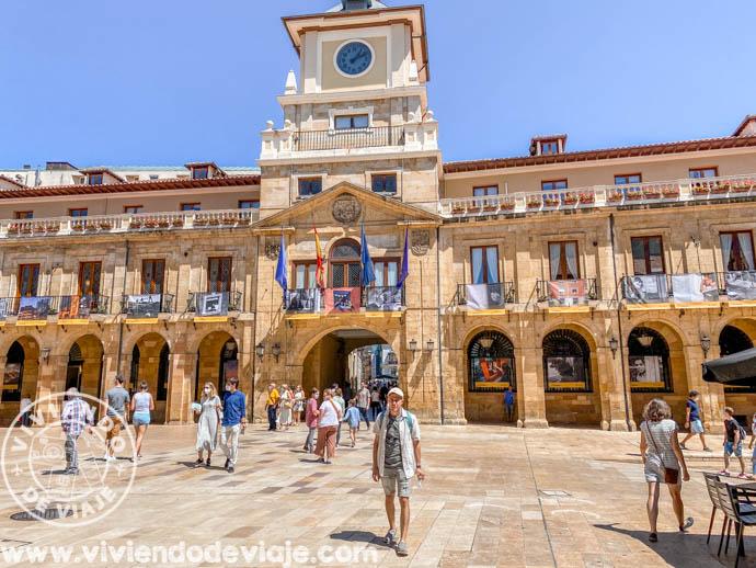 Visitar la Plaza del Ayuntamiento de Oviedo