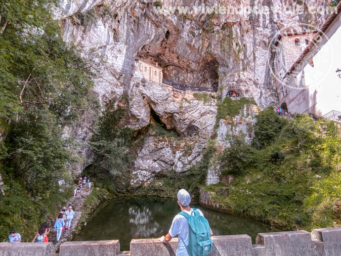 La Santa Cueva, Covadonga